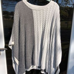 Vince Camuto Sweater Poncho (S/M) Grey/Black